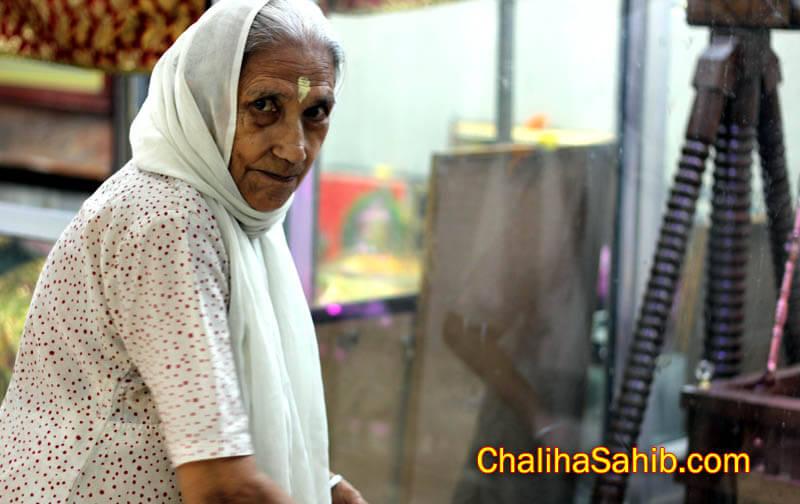 Puj Chaliha Sahib 2012 Devotee