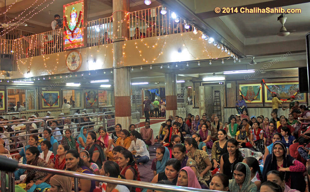 Chaliha_Sahib_Mandir_during_Midnight_Program