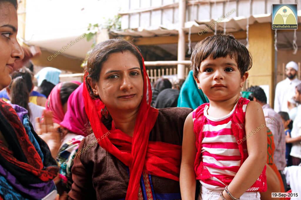 Chaliha-Sahib-Mandir-Jhulelal-Sai-blessing-Kid