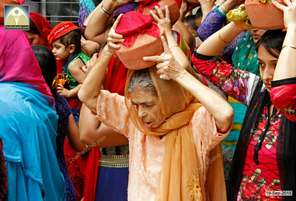 Chaliha-Sahib-Mandir-amma-with-matki