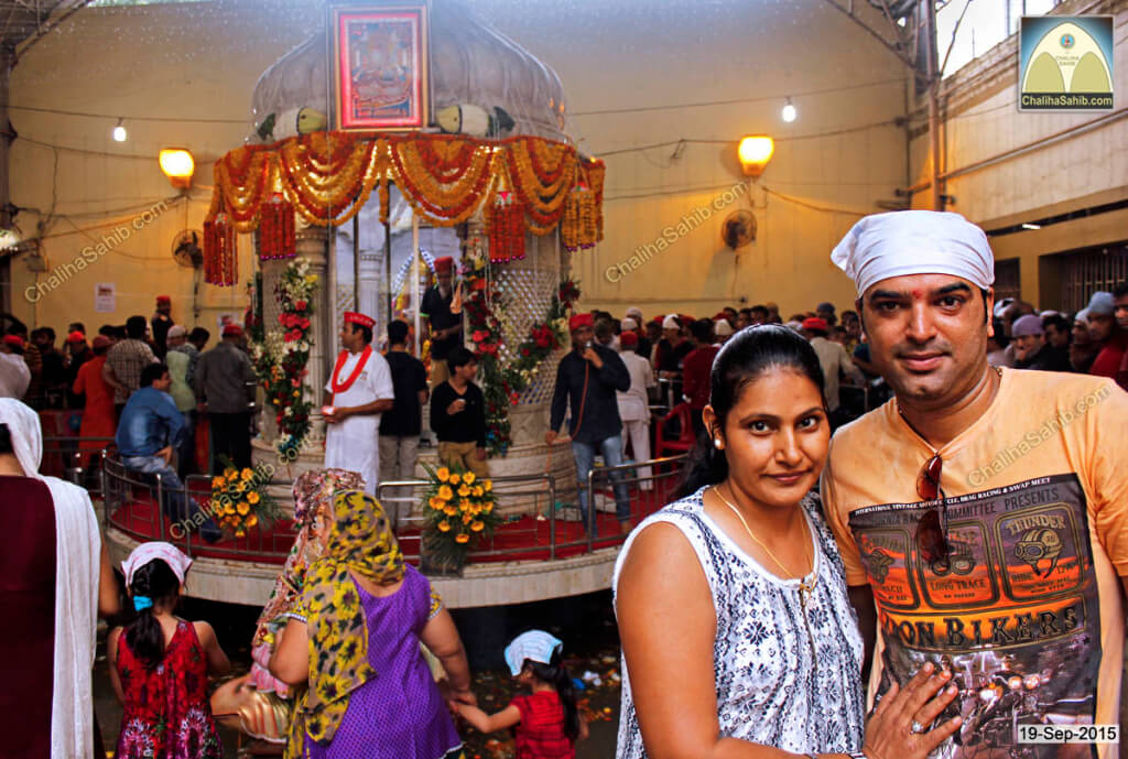Chaliha-Sahib-Mandir-couple-photo1