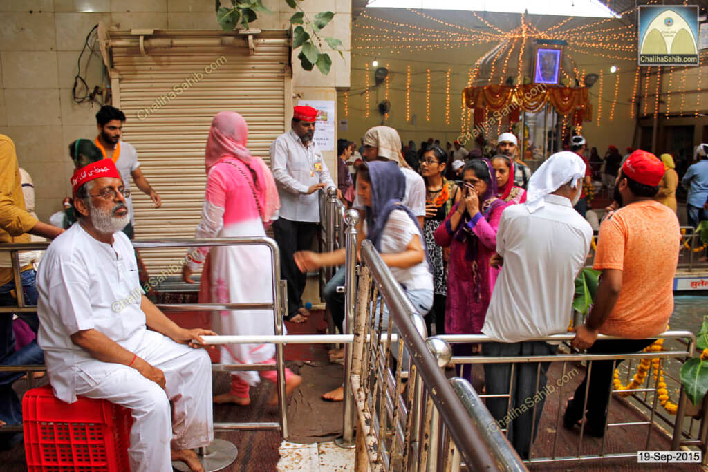Chaliha-Sahib-Matki-Mela-Near-Sarovar