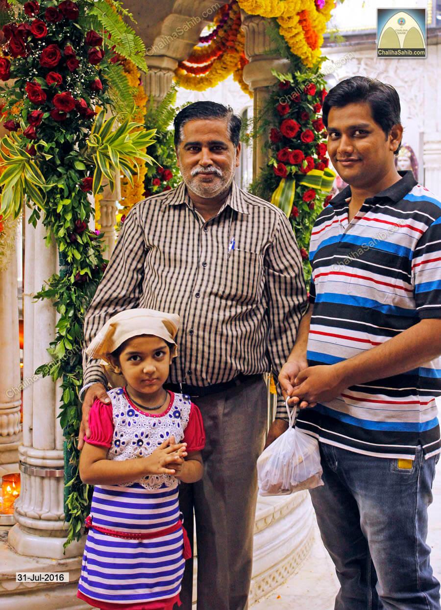 devotee family puj chaliha sahib mandir 2016