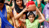 little-girl-with-matki-at-chaliha-sahib-mandir