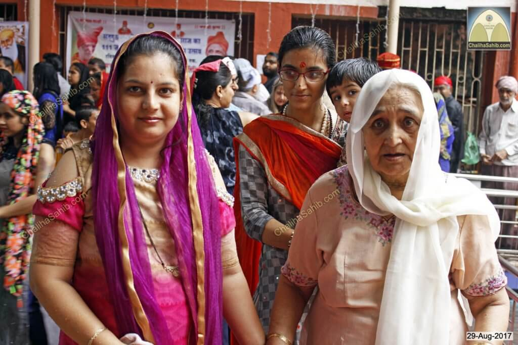 Chaliha Sahib Jhulelal Mandir Matki Mela 2017 Devotee